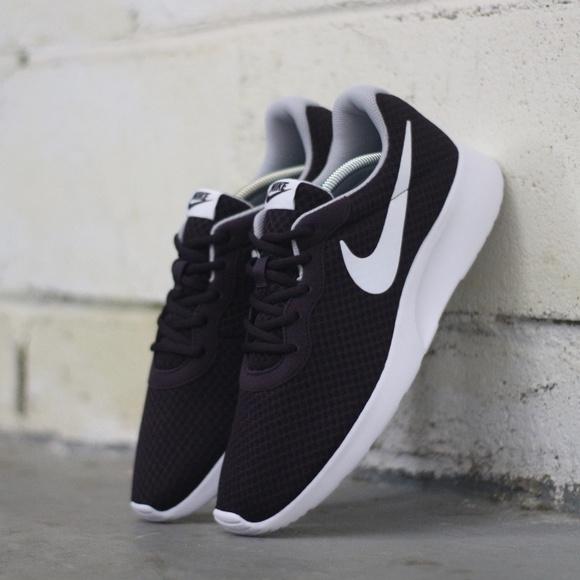 1f565fc5740 Nike Men s Tanjun Running Shoe 812654 600